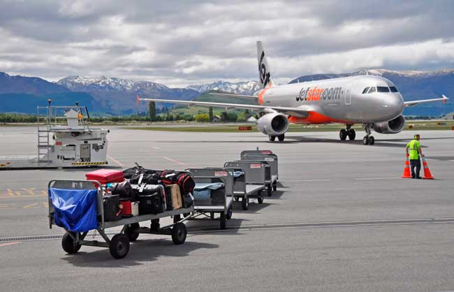 Queenstown Airport handled 1,409,663 passengers in 2015.